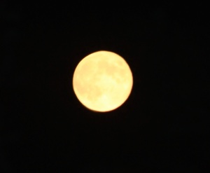 Full, unimpeded Moon